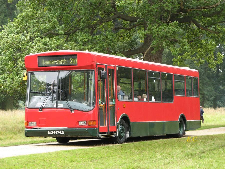 showbus-11