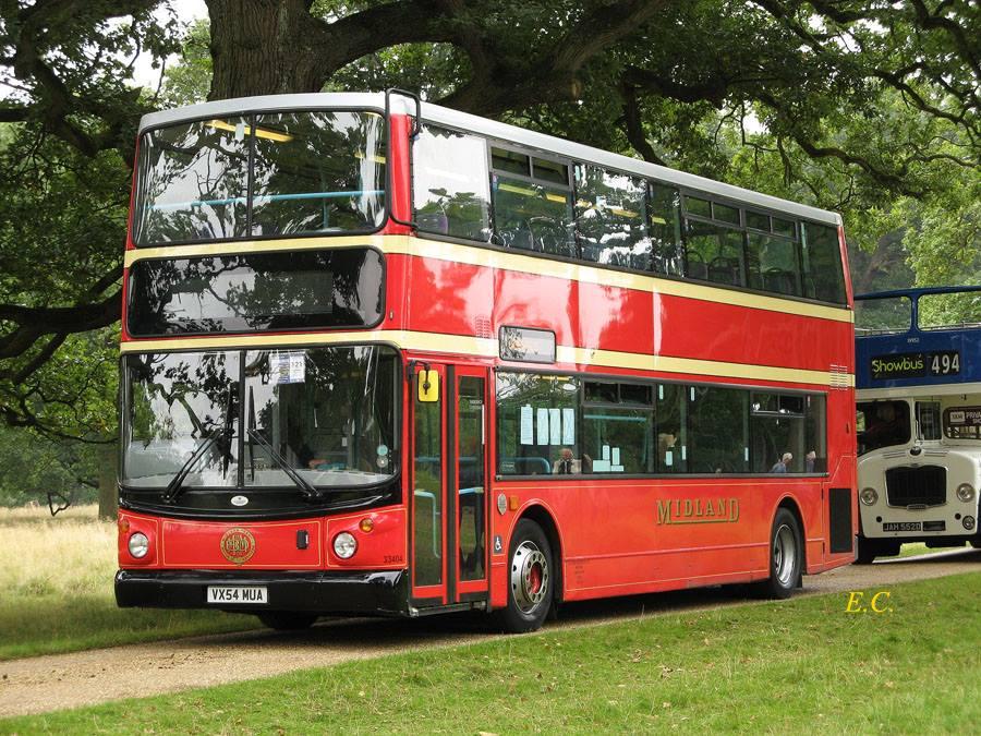 First 復古系列﹐ 有 BMMO 塗裝的 ALX400 躉。