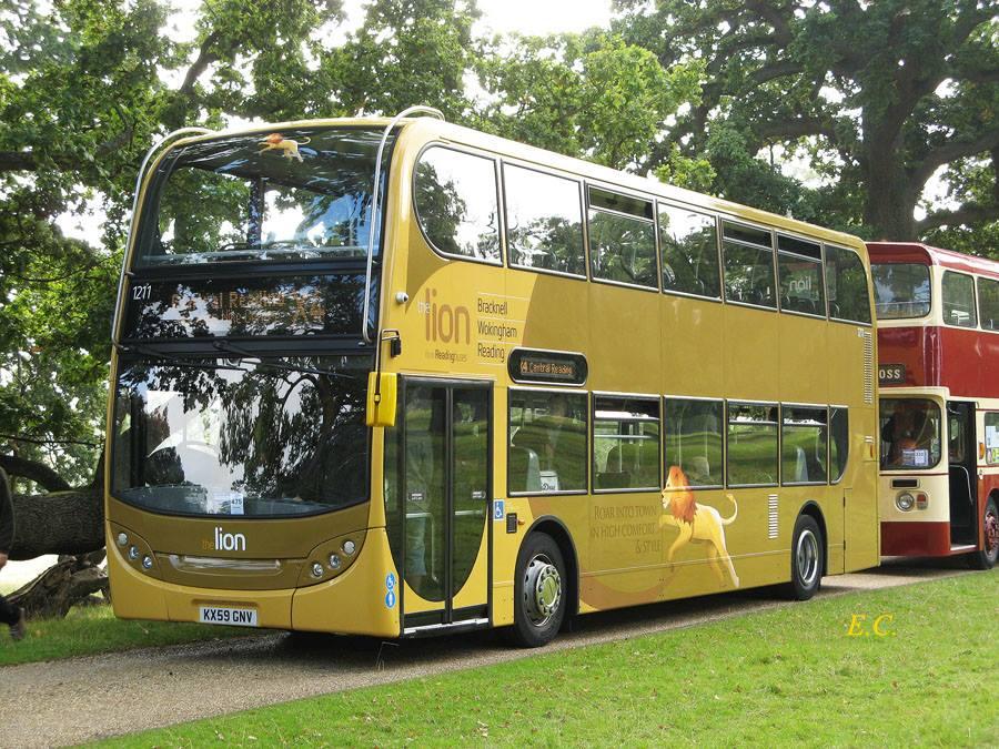 Reading Buses 喜歡玩 Route Branding ﹐ 有這部上了獅子系路線的 Enviro400 。