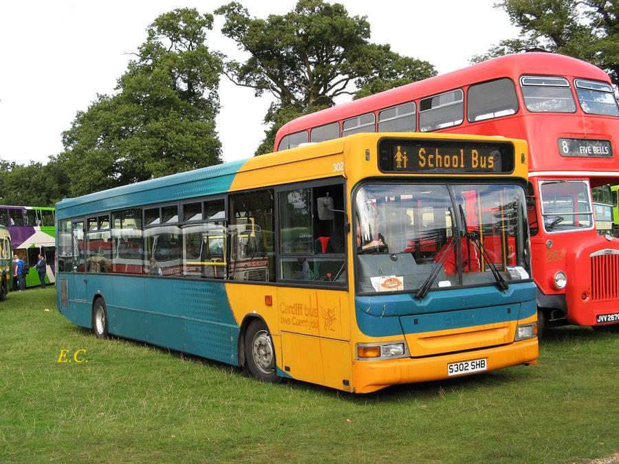 前 Cardiff Bus 的 Super Pointer Dart ﹐ 又一部被私人收藏的低地台車。