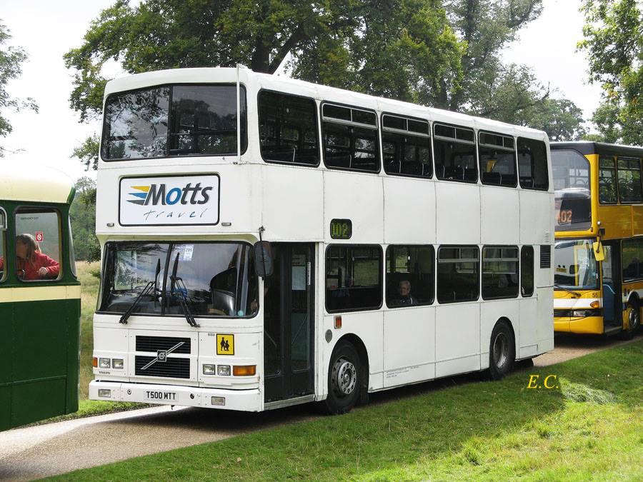 前愛爾蘭 Dublin Bus ﹐ 配亞歷山大車身的富豪奧林比安﹐ 裝有愛爾蘭特有車咀。